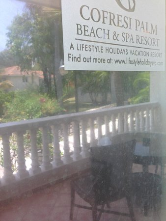 Cofresi Palm Beach & Spa Resort: DIRTY WINDOW