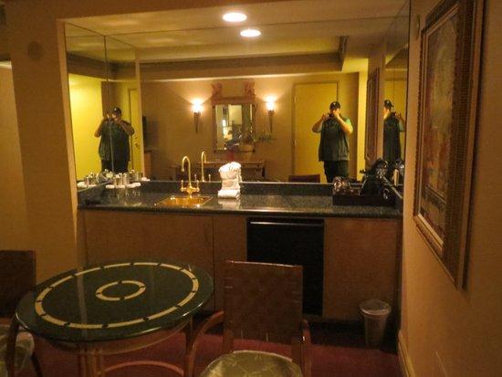 Wet Bar Area Picture Of Luxor Las Vegas Las Vegas