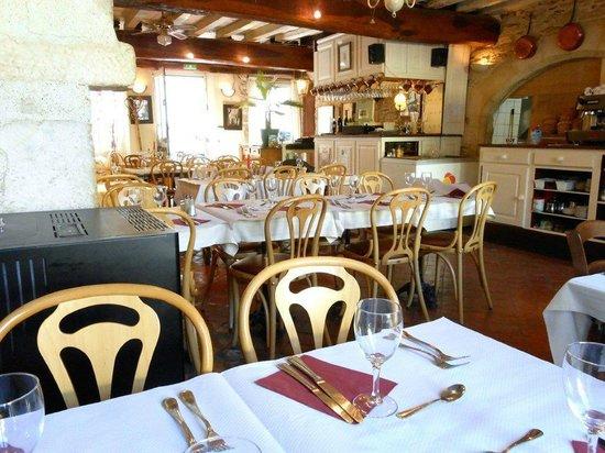 Auberge de la Coquille : Salle de restaurant