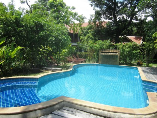 Baan Orapin Bed and Breakfast: Refreshing pool