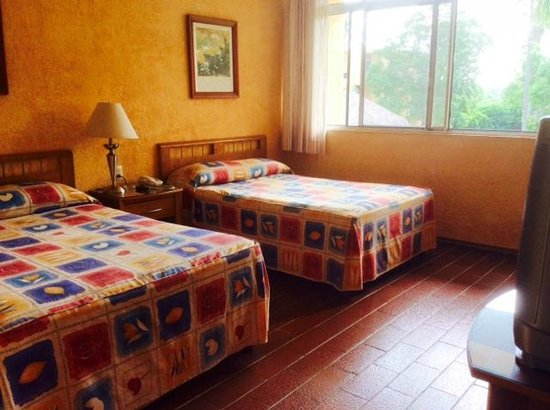 Hotel Calli: Two double beds