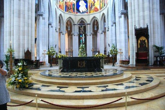 Catedral de Sta María la Real de la Almudena : Cathedral of Almudena