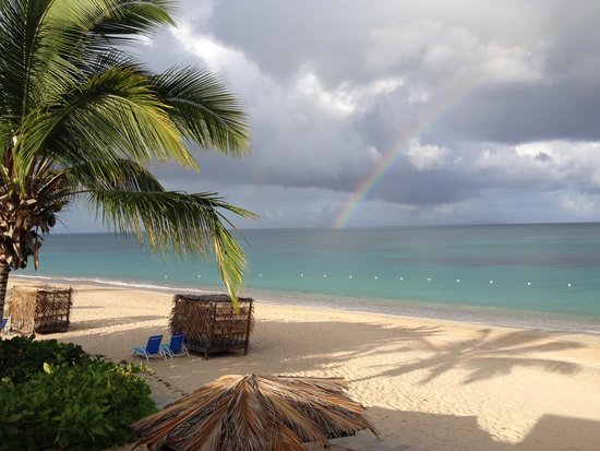 Keyonna Beach Resort Antigua: Early morning rainbow out at sea