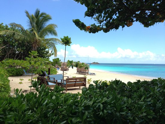 Keyonna Beach Resort Antigua: View from outdoor dining area