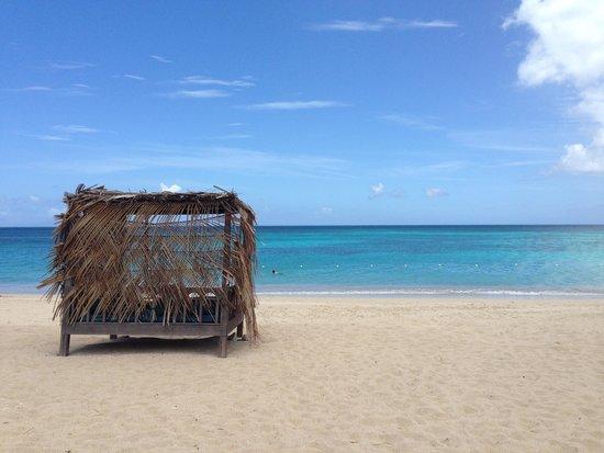 Keyonna Beach Resort Antigua: Bail bed