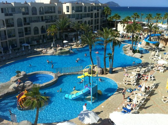 TUI FAMILY LIFE Alcudia Pins: Pool View