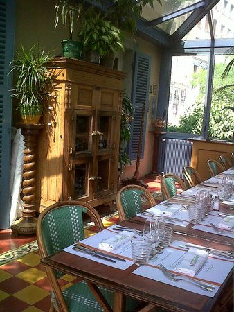 La Maison Villemanzy: jolie veranda typique