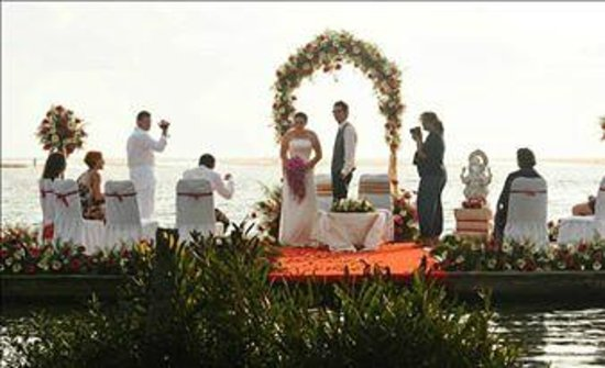 Puvar, Indien: Floating Wedding in Poovar Island Resort