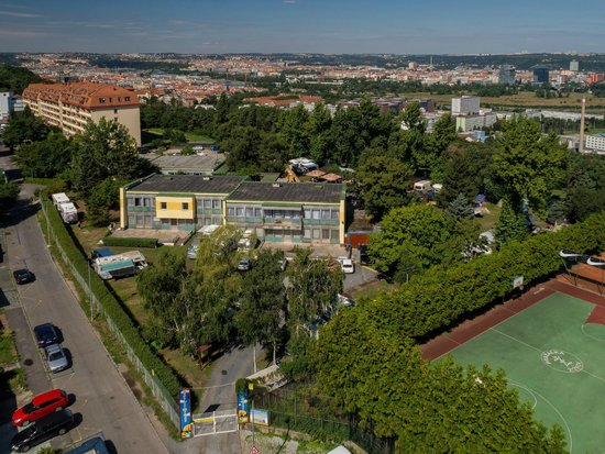 Camp Zizkov Prague: campground & hostel