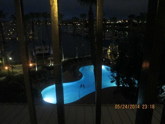 The Sheraton San Diego Hotel & Marina : At nite sitting on the balcony