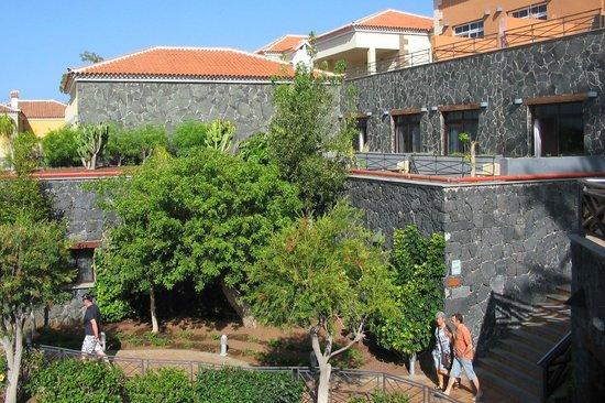 Melia Jardines del Teide : Rooms on many levels