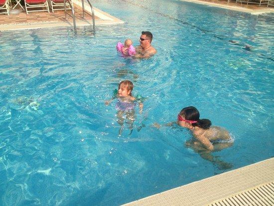 Acqualina Resort & Spa on the Beach: pool