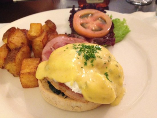 Apartment 1B: Eggs benedict with canadian ham and spinach