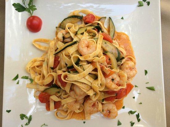 La Vita e Bella: My excellent tagliatelle with shrimps