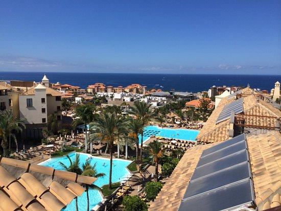 Costa Adeje Gran Hotel: Roof top pool view