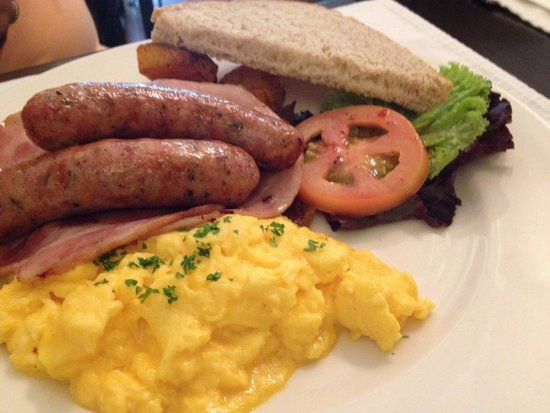 Apartment 1B: Big breakfast
