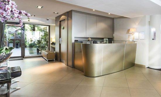 Hotel Elysees Flaubert: Reception