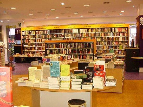 Planta 0 bild fr n libreria cervantes oviedo tripadvisor - Libreria cervantes torrelavega ...