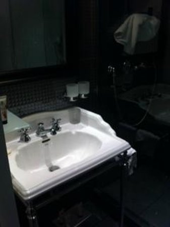 Hotel les Dames du Pantheon: Badrum