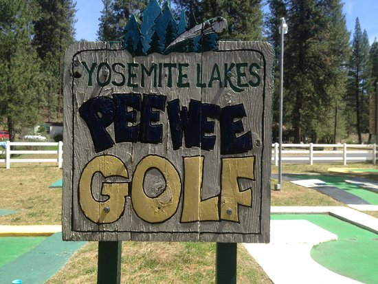 Yosemite Lakes RV Resort: Golf was fun!