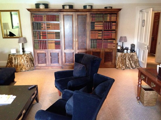 Hotel du Vin at One Devonshire Gardens: Lounge area of townhouse suite
