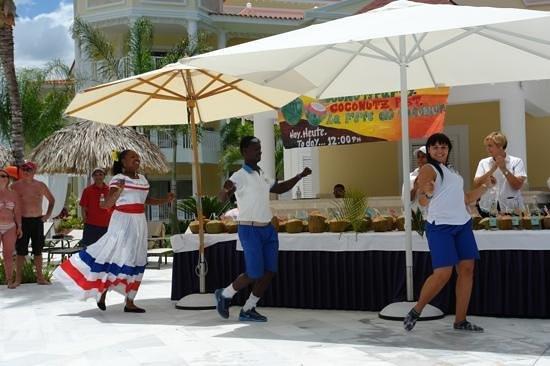 Luxury Bahia Principe Bouganville Don Pablo Collection: праздник ананаса