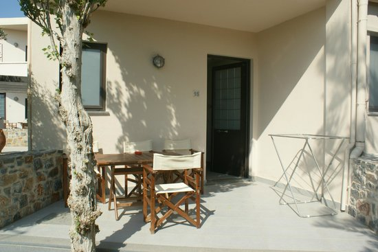 Kritzas Beach Bungalows & Suites: Terrasse