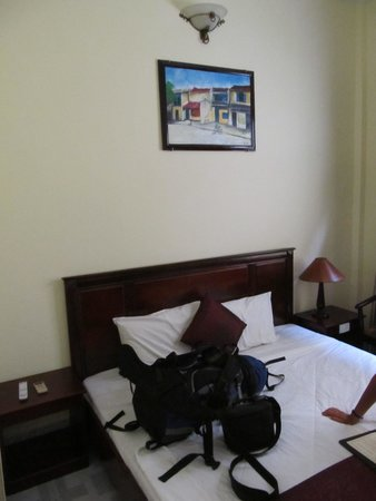 Huy Hoang Garden Hotel : Our great comfy bed