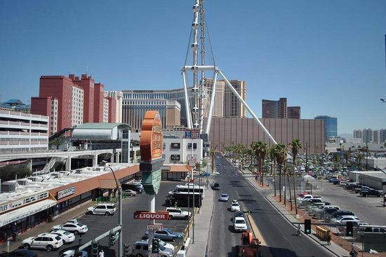 MGM Grand Hotel and Casino: View from monorail, best option