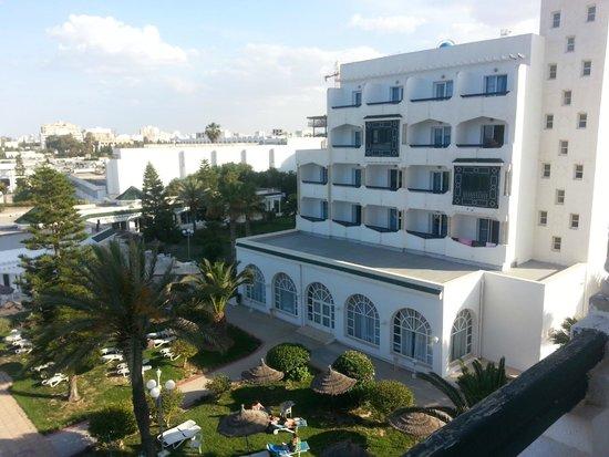 Jinene & Royal Jinene Hotels : вид на 3-х звездночный отель