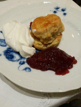 Babingtons English Tea Room: Scones, panna e marmellata