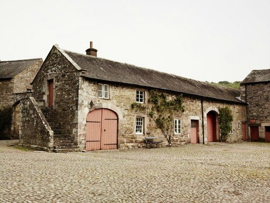 Dalemain Mansion & Historic Gardens: One of the barns in the courtyard