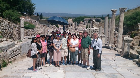 Apasas Tours : great Group with Nizam