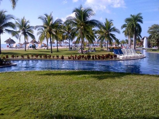 Royal Decameron Golf, Beach Resort & Villas: Another pool
