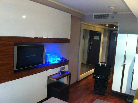 Radisson Blu Hotel Olumpia: The room