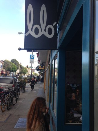 Lolo: entering the restaurant on Valencia St.