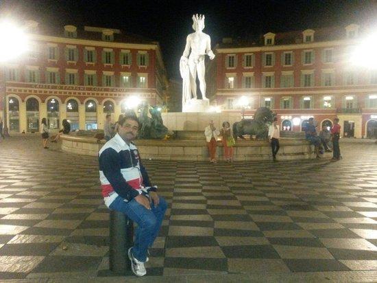 Place Massena: Avec mon ami massena