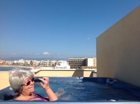 Hotel Playa: watching the planes leaving Palma airport