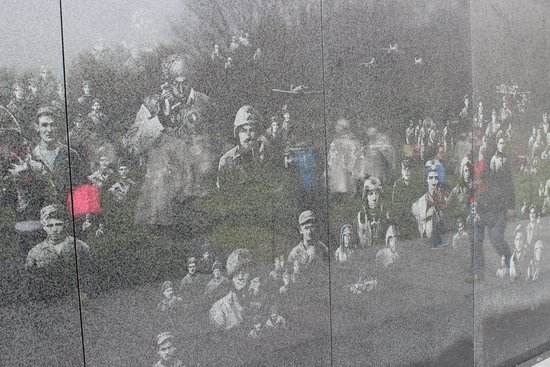 Monumento a los veteranos de la Guerra de Korea: Korean War Veterans Memorial, April 2014