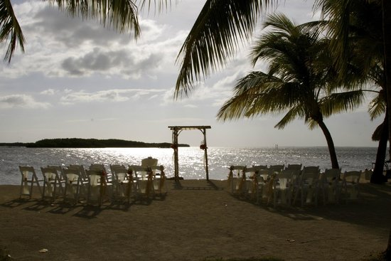 Atlantic Bay Resort: Ceremony on the beach