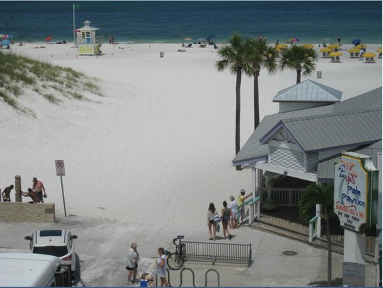 Palm Pavilion Inn: View from our 2nd floor room!!!