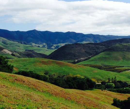 Bishop Peak: Spectacular view of the Santa Lucias