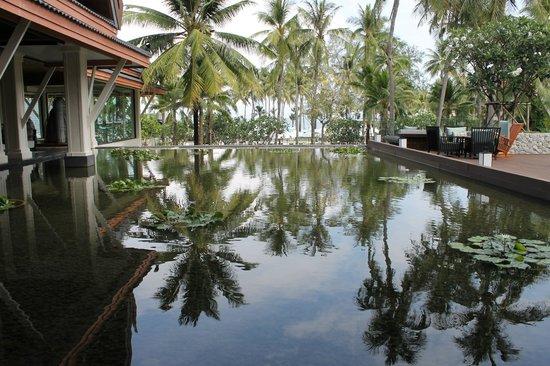 Outrigger Laguna Phuket Beach Resort: Lovely hotel