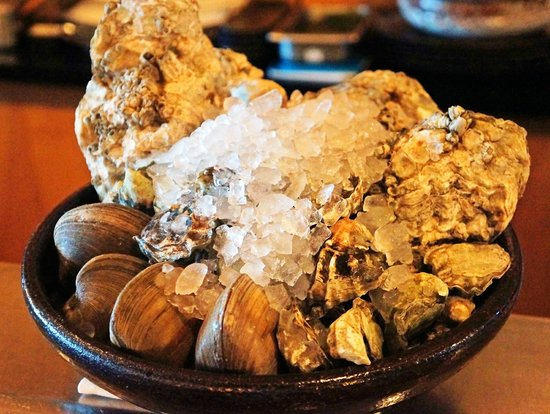 Teppo Yakitori & Sushi Bar: Oysters and Clams