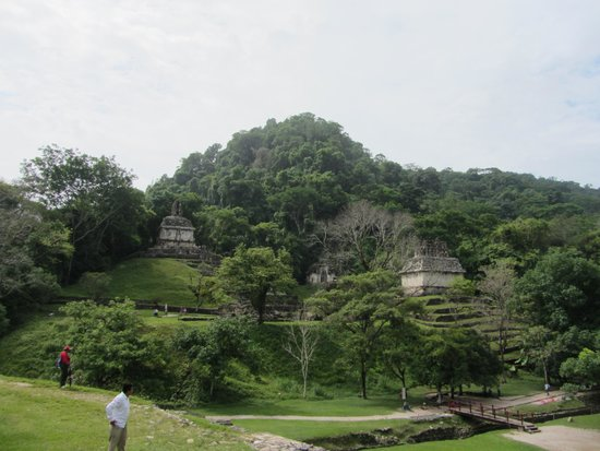 Palenque ruinas: Plaza of the Cross, taken from the Grand Palace