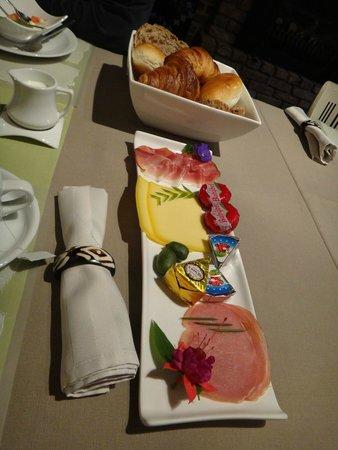 Hobo Bed and Breakfast: завтрак