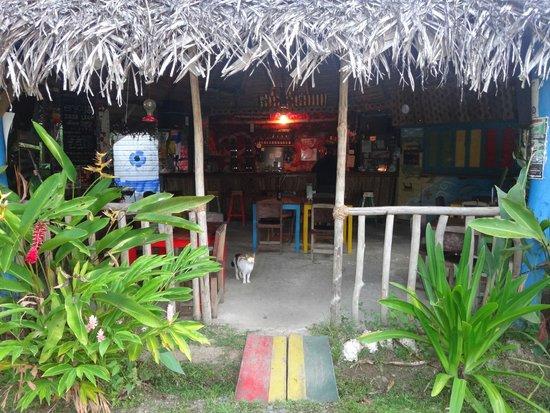 Hostal Mar e Iguana: Bar, comedor