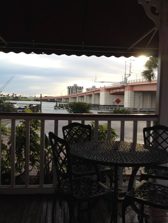 The Riverview Hotel: Looking at the causeway frm the hotel porch