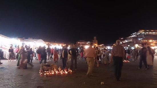 Jemaa el Fna : フナ広場