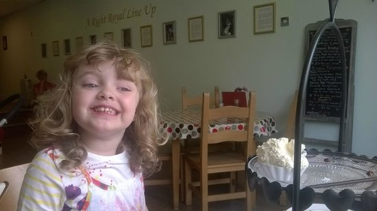 A Right Royal Tea Party: Enjoying our scones